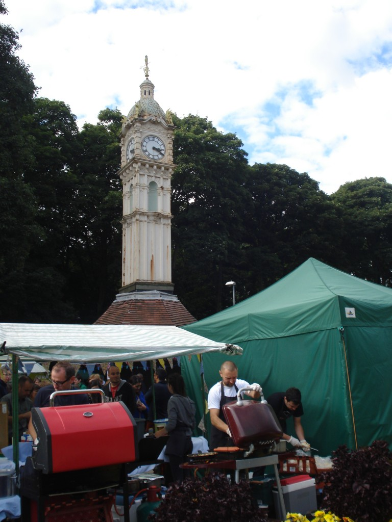 Oakwood Clock Market