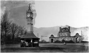 Clock in 1915